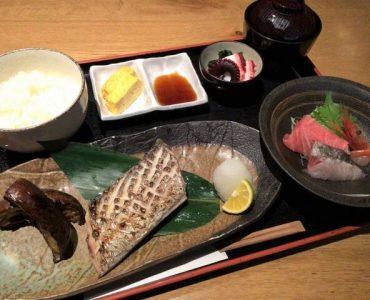 【焼き魚とお刺身定食】<br /> 1,500円(税込)